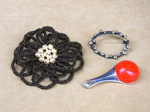 Christmas_gift_3_brooch