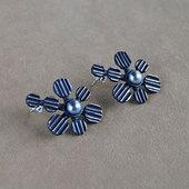 Ja_int_earrings2