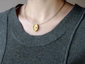 Lobo_necklace_co1