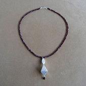 Ja_emmy_necklace2_1