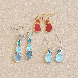 Born_earrings